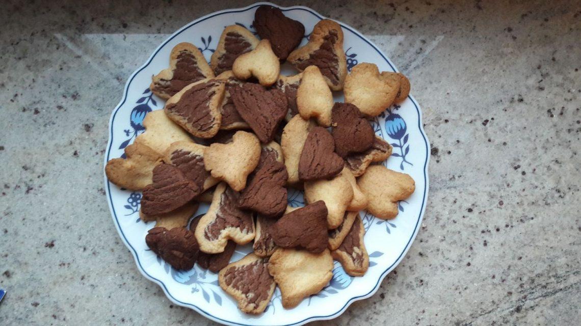 1. Türchen: Kekse mit Herz